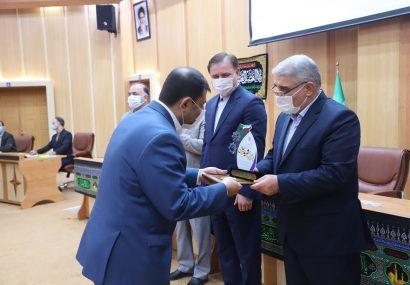 اداره کل تعاون،کار و رفاه اجتماعی استان گیلان به عنوان دستگاه برگزیده در جشنواره شهید رجایی انتخاب شد
